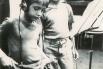 Amb el meu germà Alex gravant el nostre primer disc (Barcelona, 1977)