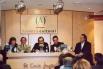 Presentación de la biografia sobre mi padre ''Bon dia Catalunya. Salvador Escamilla, 40 anys d'ofici'', con Joan Manuel Serrat i Àngel Casas. El Corte Inglés, Barcelona, marzo, 2002