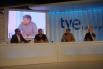 David Escamilla presentando el programa En Ruta. TVE Cataluña 50 años con el Tricicle. septembre 2009